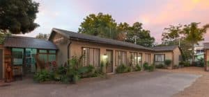 Inyathi Guest Lodge Self Catering