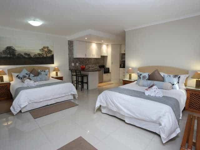 Bar T Nique Guesthouse Mossel Bay